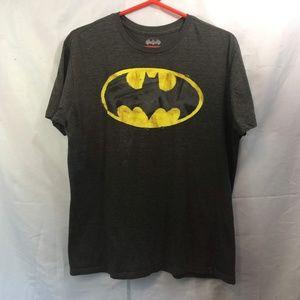 Batman Size M Gray Short Sleeve Graphic Tee